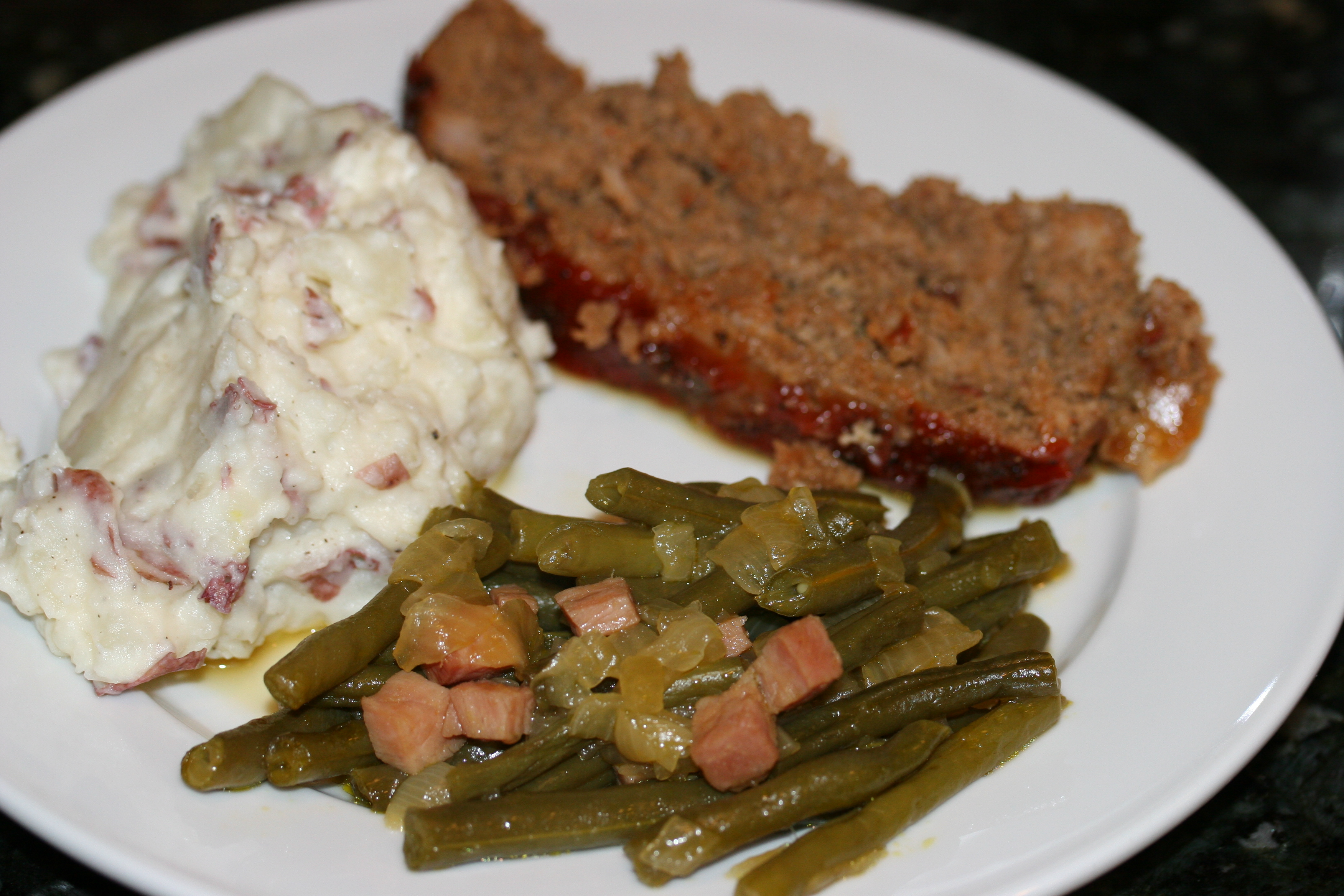 Meatloaf Mashed Potatoes And Over Cooked Green Beans